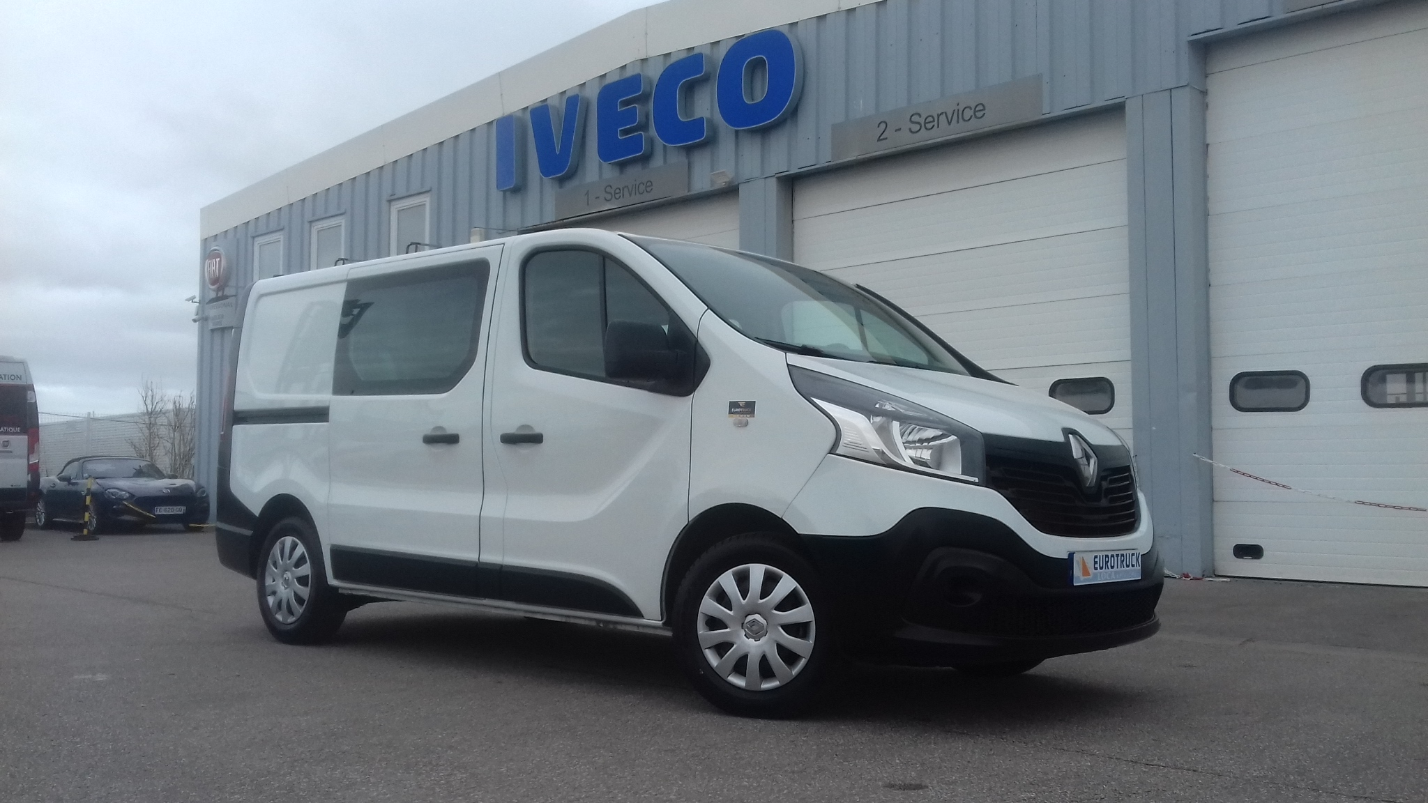 RENAULT TRAFIC 9 450KM SEULEMENT